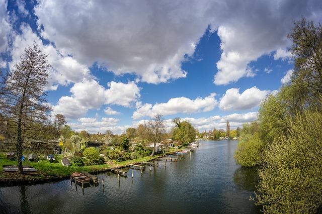 La Spree est le fleuve qui traverse Berlin, elle s'étend sur plus de 400 kilomètres