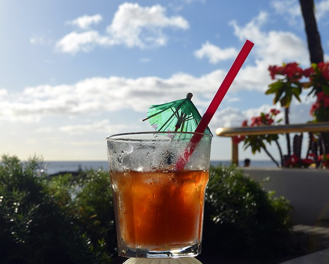 Mai Tai cocktail typique d'Hawaii à base de rhum