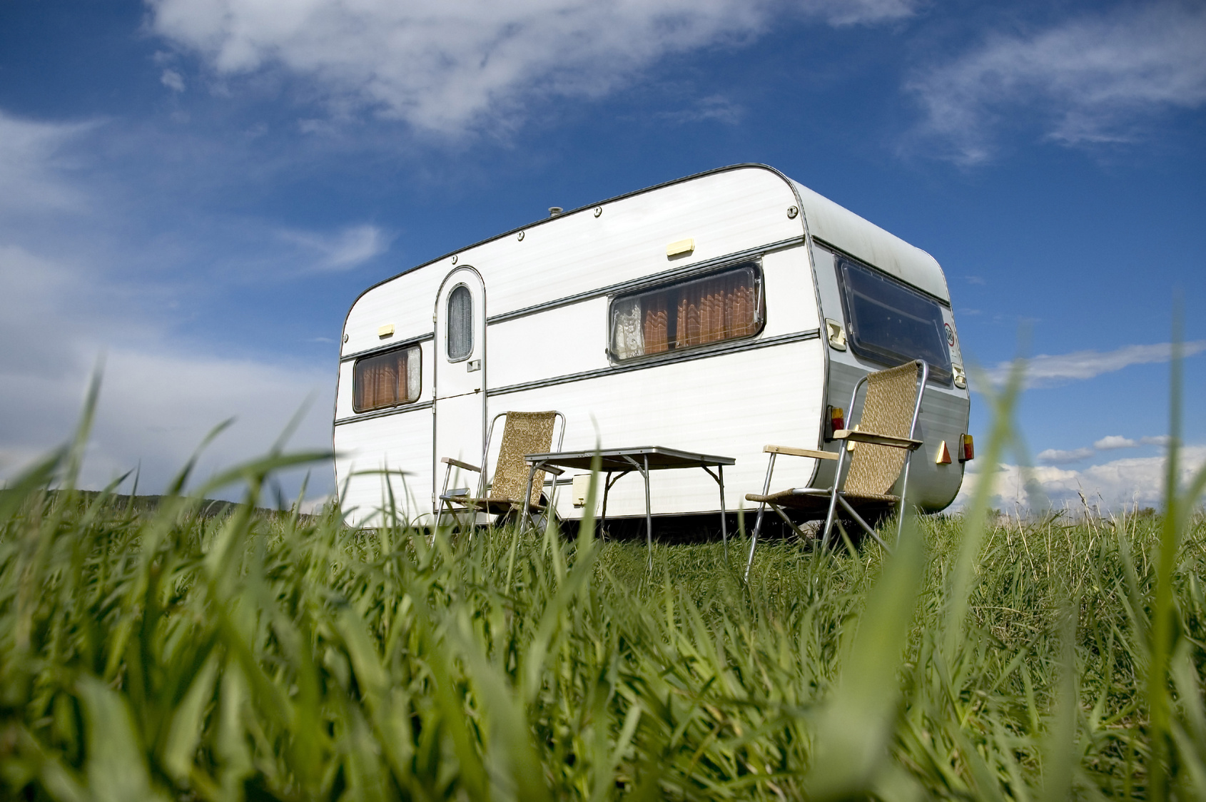 acheter ou louer une caravane quelques suggestions avant l 39 t. Black Bedroom Furniture Sets. Home Design Ideas