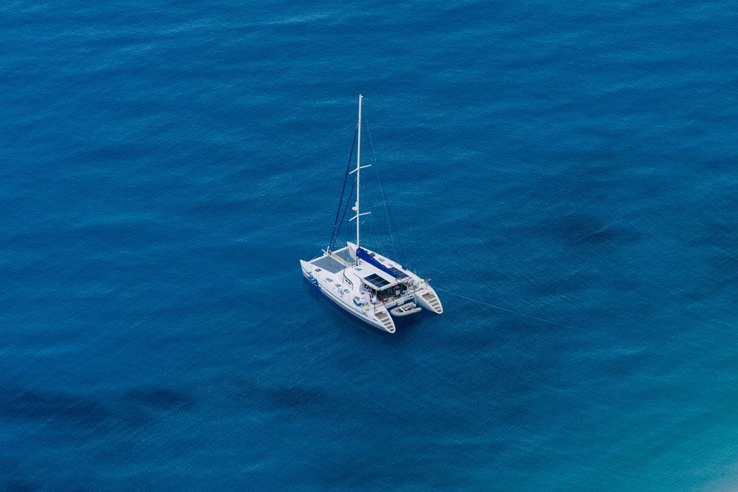 5 destinations de voyage idéales pour louer un catamaran