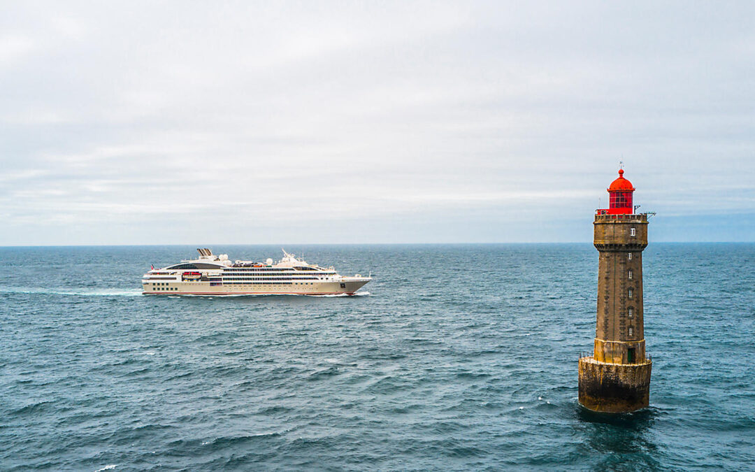 Partir en croisière cet été , côte Atlantique ou Méditerranée ?