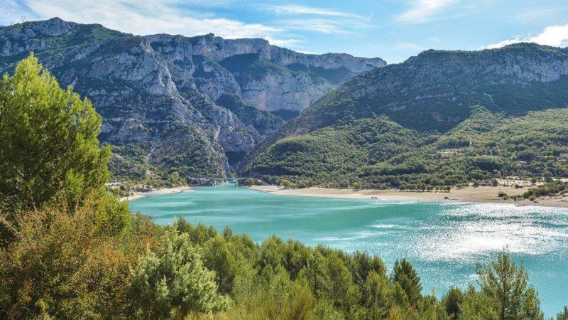 Le Lac de Sainte Croix, pour profiter de vacances dans le Verdon cet été.